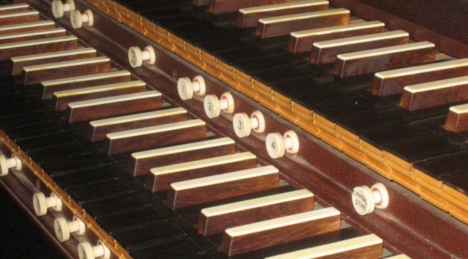 photo of organ keyboard